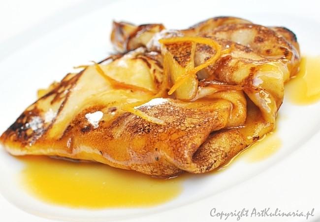 Naleśniki z jabłkami i sosem pomarańczowo-karmelowym