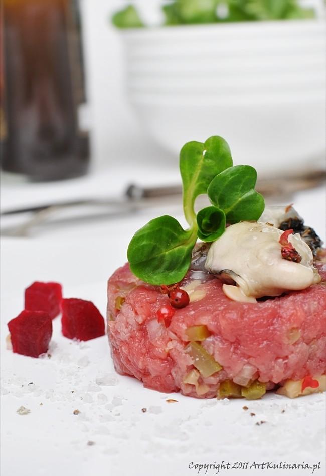 Tatar wołowy z ostrygą / ArtKulinaria